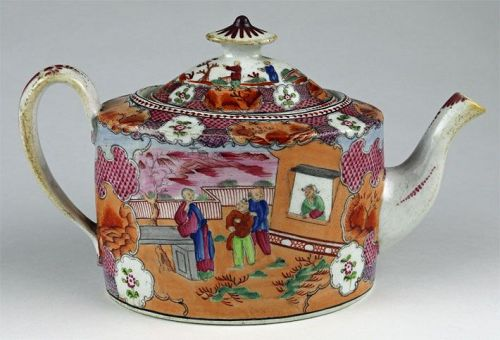 New Hall Teapot in the Chinese Style