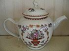 Chinese Export Porcelain Famille Rose Tea Pot, c. 1790