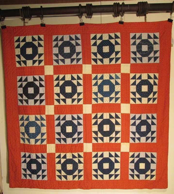 American cotton pieced quilt late 19th century