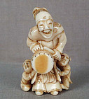 19c netsuke ELDER with drum & boys