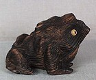 19c netsuke seated TOAD