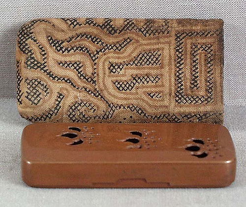 19c Japanese bronze incense game box Tokugawa crest