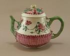 Chinese Export Porcelain Tea Pot 18th Century
