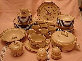 International Heartland Dinnerware