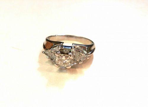 ART DECO PLATINUM DIAMOND & EMERALDS RING