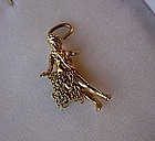 GREAT 14K HULA GIRL CHARM... MOVABLE GRASS SKIRT