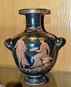 AN ANCIENT APULIAN HYDRIA