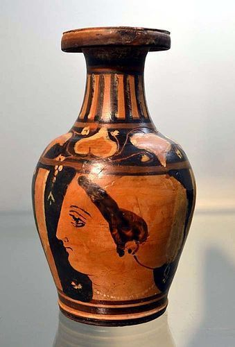 AN ANCIENT GREEK OINOCHOE