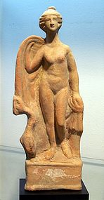 A LARGE  ANCIENT ROMAN TERRACOTTA APHRODITE