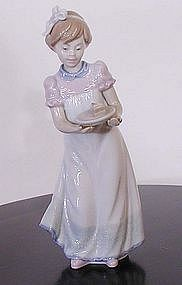 "Lladro ""Happy Birthday"" Figurine"