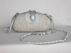 MAYA LACE-LIKE PURSE