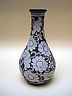 A Superbly  Museum Quality 'Cizhou' Bottle Vase