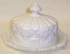 Westmoreland Milk Glass OLD QUILT CHEESE DISH w/LID