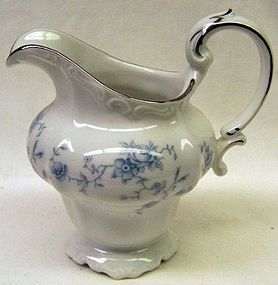 Johann Haviland Bavaria BLUE GARLAND Footed CREAMER