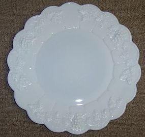 Westmoreland Milk Glass PANELED GRAPE 10.5 DINNER PLATE