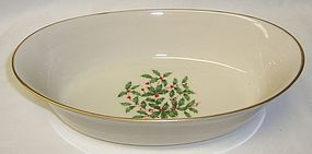 Lenox Ivory Christmas HOLLY SPECIAL 10 Inch OVAL SERVING BOWL