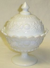 Westmoreland Milk Glass DELLA ROBBIA CANDY DISH with LID