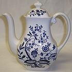 Wedgwood England BLUE ONION COFFEE POT w/LID