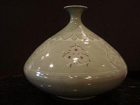 Celadon porcelain jar - Korea