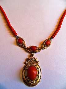 Red coral necklace with gold ornaments and gold lock