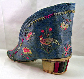 Chinese single silk embroidered lotus shoe