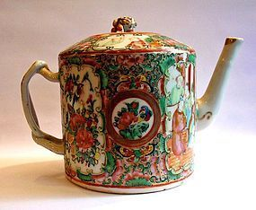 Cantonese porcelain tea pot