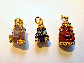 Ganesha pendant mounted in 22+ gold and enamel