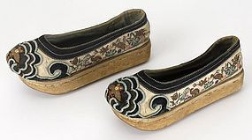 A Pair Chinese Embroidered Manchu Shoes, 19th C.