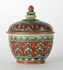 "Antique Chinese Bencharong Covered Porcelain Jar ""Toh"", 18./19.C."