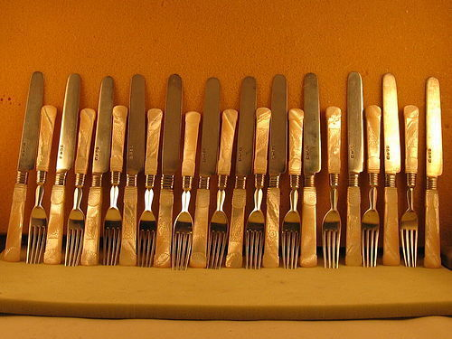 Chinese flatware,12 knives,11 forks by Wong Shing,Canton,mid-19th C