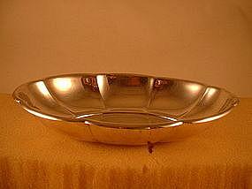 Elliptical bowl by Whiting Mfg., 1915