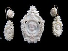 Superb Victorian Angel Skin Coral Demi Parure