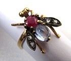 Charming Antique Ring, Gem-Set Swivel Fly!
