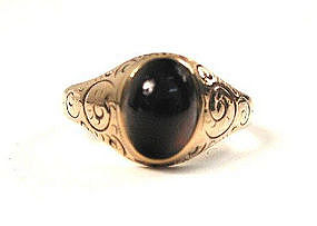 Victorian Cabochon Garnet & Gold Ring
