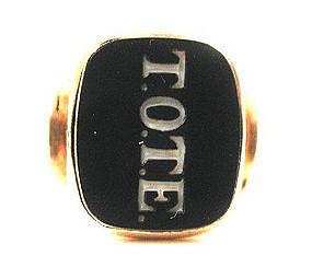 "Unusual Agate & Gold Signet Ring: ""T.O.T.E."""