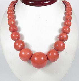 Huge natural Chinese Momo coral bead necklace 157 grams