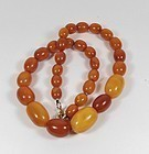 Antique butterscotch Baltic amber bead necklace 31 grams