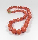 Large Chinese natural Momo coral bead necklace 18k gold clasp