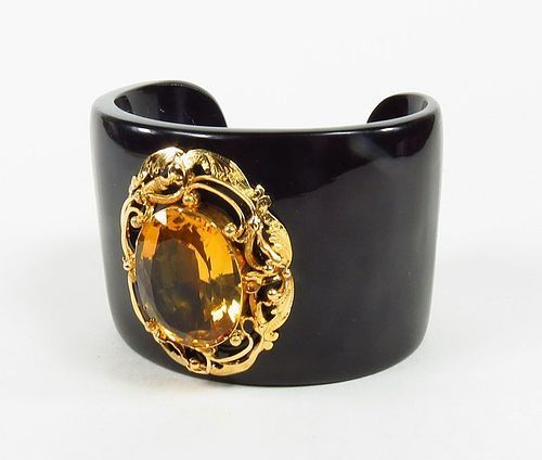 Large 22k yellow gold and natural citrine water buffalo horn bangle
