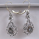 Antique 18K white gold diamonds dangle earrings