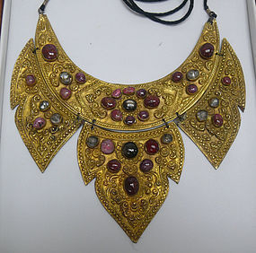 19th Century Balinese Gold Necklace, Cabochon Rubies