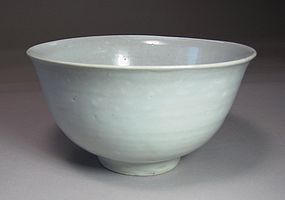 A Very Fine Korean Early White Glazed Bowl-16th C.: