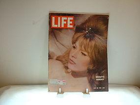 Life Magazine July 28, 1961 Brigitte Bardot