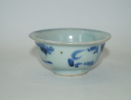 Late Yuan - early Ming Hongwu blue and white tea cup