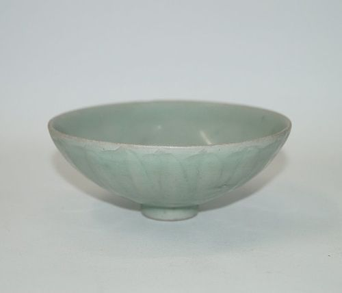 Rare Song dynasty longquan celadon small lotus bowl