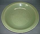 Yuan - Ming longquan celadon large dish, 40 cm