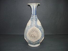 Rare Annamese reticulated octagonal yuhuchun vase