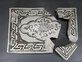 Sample of Yuan dynasty Chizou tile with flower motif