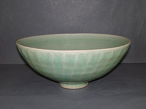 Song - Yuan dynasty longquan celadon large bowl