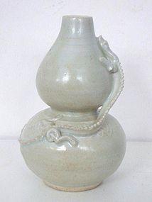 Yuan Dynasty Qingbai Gourd Vase with Dragon